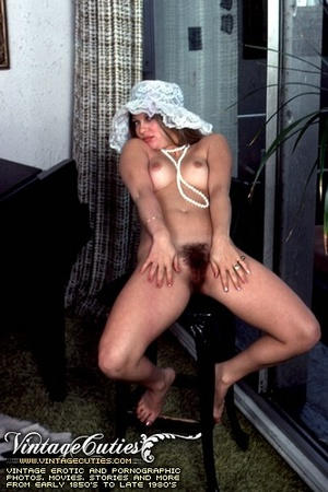 Naked babes with hairy pussy expressing  - XXX Dessert - Picture 6
