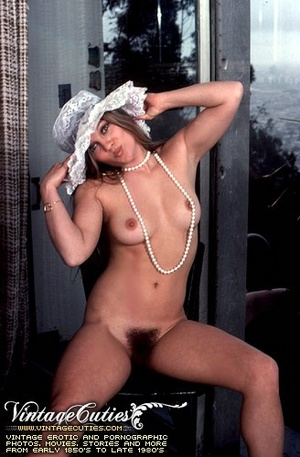 Naked babes with hairy pussy expressing  - XXX Dessert - Picture 7