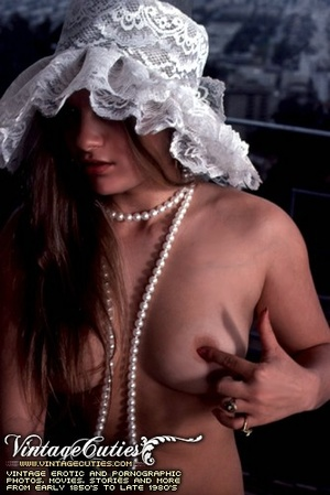 Naked babes with hairy pussy expressing  - XXX Dessert - Picture 9