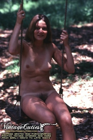 Hot vintage sex doll posing naked in the - XXX Dessert - Picture 9