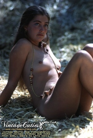Hot vintage sex doll posing naked in the - XXX Dessert - Picture 11