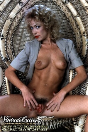 Slutty curly blonde in free vintage porn - XXX Dessert - Picture 1