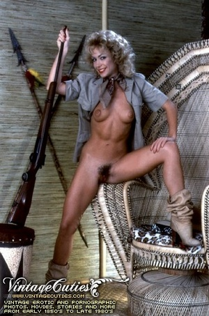 Slutty curly blonde in free vintage porn - XXX Dessert - Picture 3