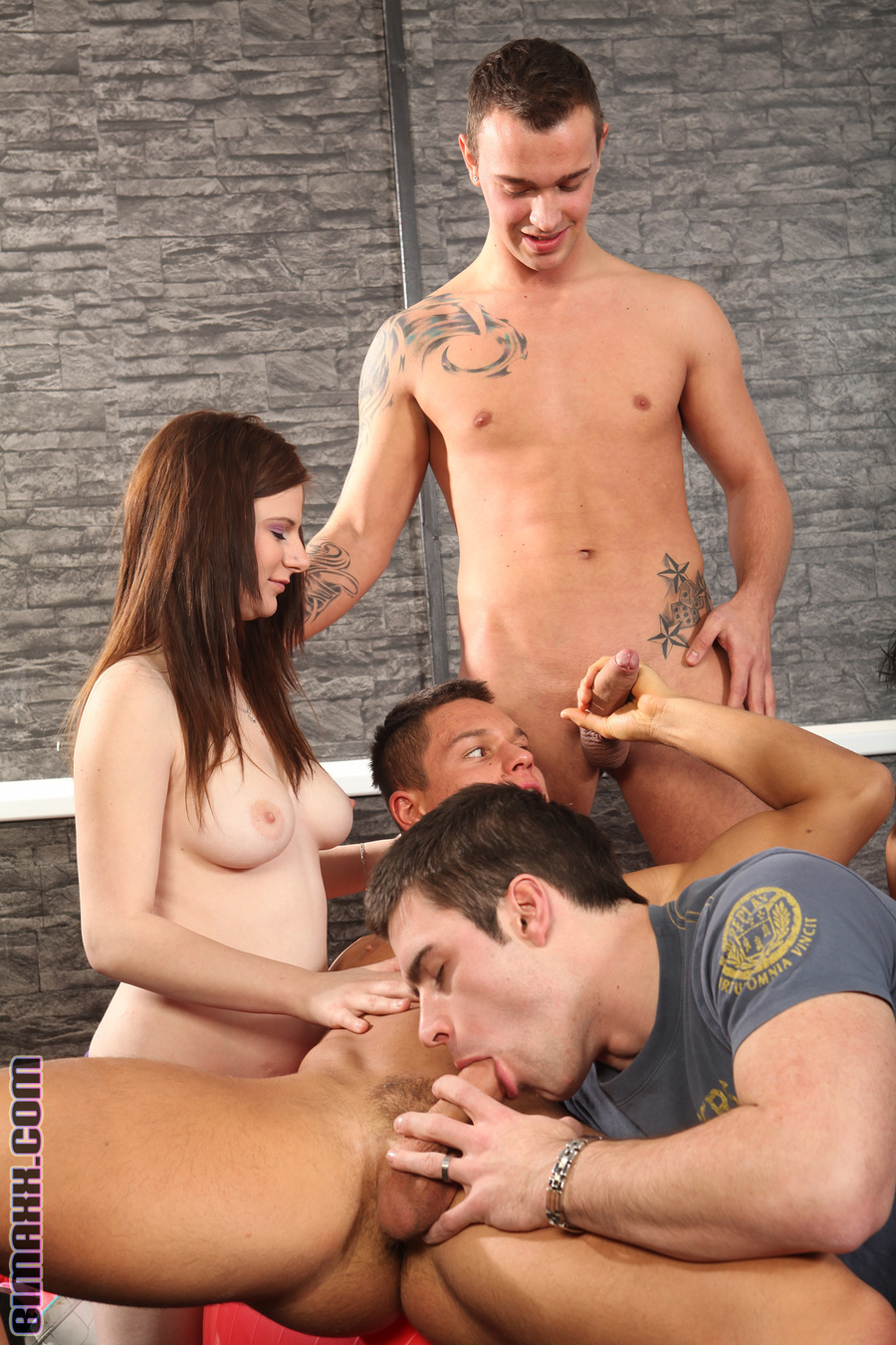 Nasty Bisexual Teens Have Awesome Group Sex - Xxx Dessert -1985