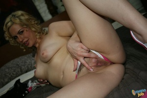 I can swallow any dick and do handjobs t - XXX Dessert - Picture 9