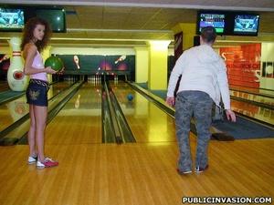 Curly hair stunnig babe flashing her tig - XXX Dessert - Picture 9