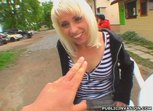 Blonde slut gets her pussy touched and t - XXX Dessert - Picture 10