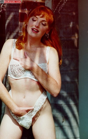 That nude redhead look so brisk when pul - XXX Dessert - Picture 13