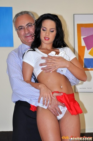 Old and young sex is all like by this ca - XXX Dessert - Picture 3