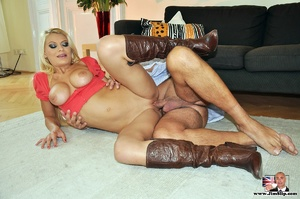 The mort comes to him on her own initiat - XXX Dessert - Picture 1