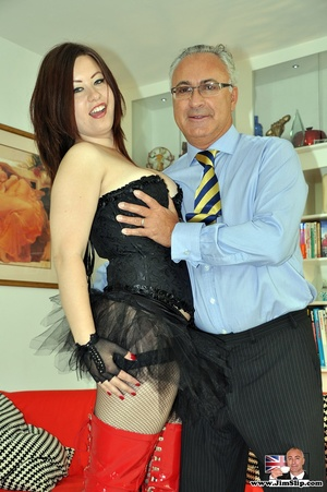 Dark-haired mature pantyhose horse godmo - XXX Dessert - Picture 1