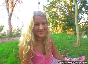 Blonde sex hungry girl showing her blowj - XXX Dessert - Picture 6