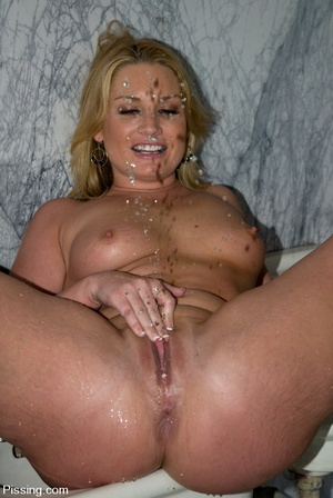 Sex is good, of course, but pissing is much better - XXXonXXX - Pic 6