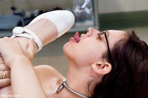 One of the ugliest pissing girls has her body peed by her man - XXXonXXX - Pic 4