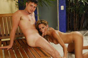 Perfect body nude latin transsexual blow - XXX Dessert - Picture 7