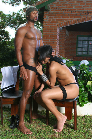 White ladyboy in black stockings gets he - XXX Dessert - Picture 3