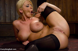 Sophie Dee all anal toys anal sex fistin - XXX Dessert - Picture 3