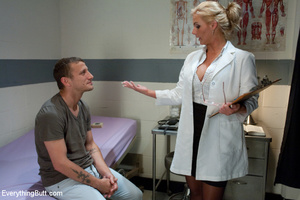 Sexy doctor gets double penetrated for f - XXX Dessert - Picture 5