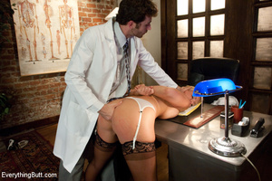 Sexy doctor gets double penetrated for f - XXX Dessert - Picture 9