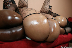Hot young black hoes fuck there pimp! - XXX Dessert - Picture 6