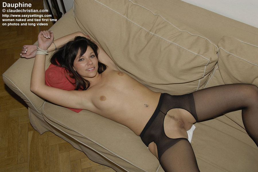 Sexy amateur milf in crotchless stockings