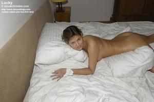 Mature babe Linda in white stockings doe - XXX Dessert - Picture 13