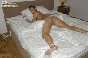 Mature babe Linda in white stockings doe - XXX Dessert - Picture 14