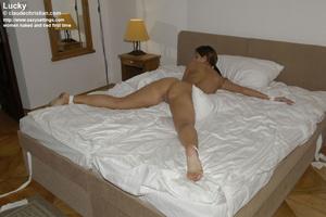 Mature babe Linda in white stockings doe - XXX Dessert - Picture 15