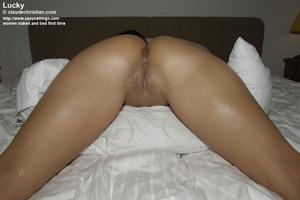 Mature babe Linda in white stockings doe - XXX Dessert - Picture 18