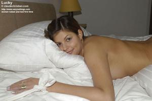 Mature babe Linda in white stockings doe - XXX Dessert - Picture 19