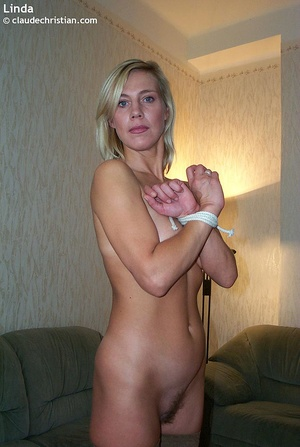 Busty milf Linda in tight stockings posi - XXX Dessert - Picture 15