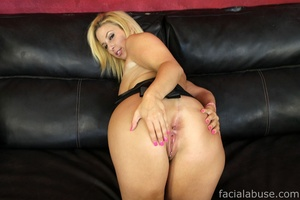 Bootleg shoved his cock down her yap - XXX Dessert - Picture 3