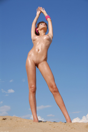 Erotic pics of young beautiful brunette  - XXX Dessert - Picture 6
