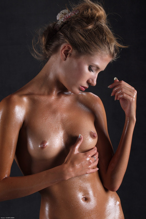 Awesome erotic cutie witj oiled up perfe - XXX Dessert - Picture 3