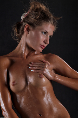Awesome erotic cutie witj oiled up perfe - XXX Dessert - Picture 6