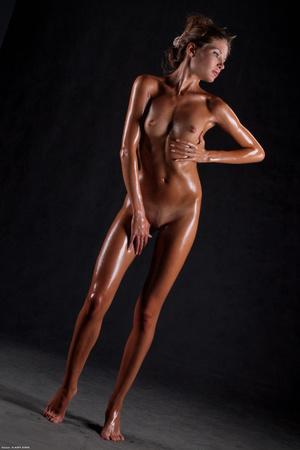 Awesome erotic cutie witj oiled up perfe - XXX Dessert - Picture 7