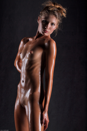 Awesome erotic cutie witj oiled up perfe - XXX Dessert - Picture 9