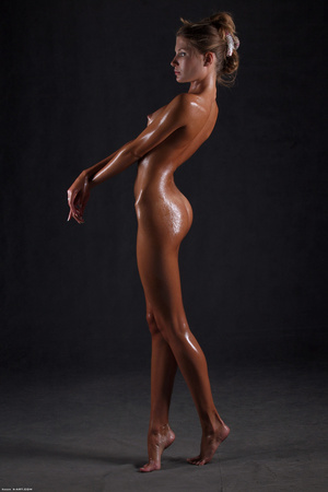 Awesome erotic cutie witj oiled up perfe - XXX Dessert - Picture 13