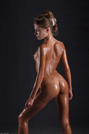 Awesome erotic cutie witj oiled up perfe - XXX Dessert - Picture 16
