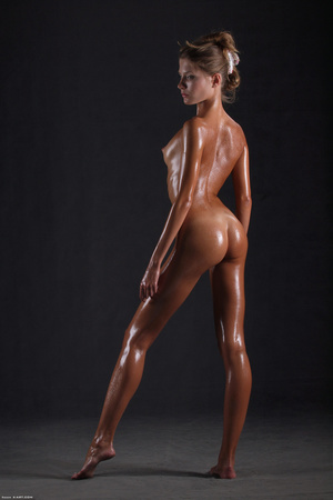 Awesome erotic cutie witj oiled up perfe - XXX Dessert - Picture 17
