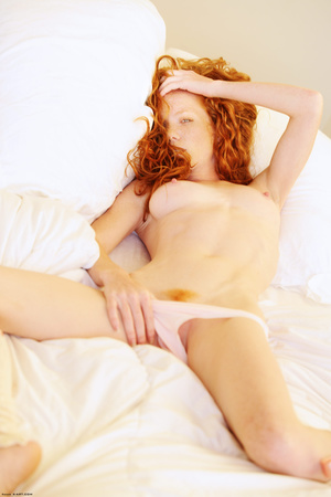 Astonishing sexy redhead bimbo rubbing h - XXX Dessert - Picture 7
