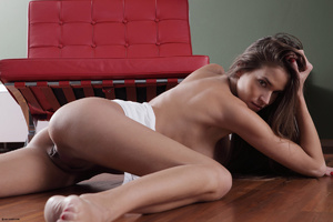 Erotic striptease on the red chair Brune - XXX Dessert - Picture 5