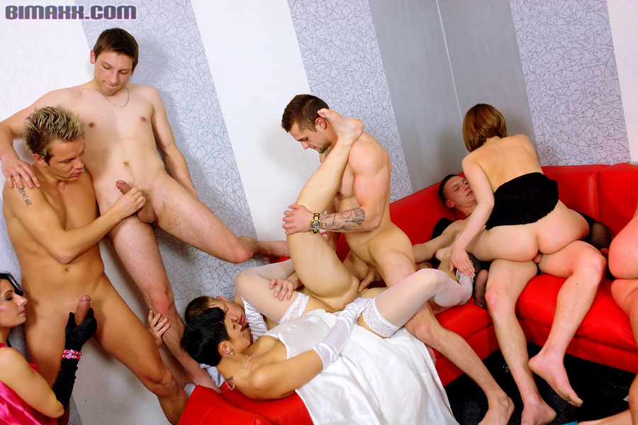 Hot wedding party ended up by rough bisexua - XXX Dessert ...