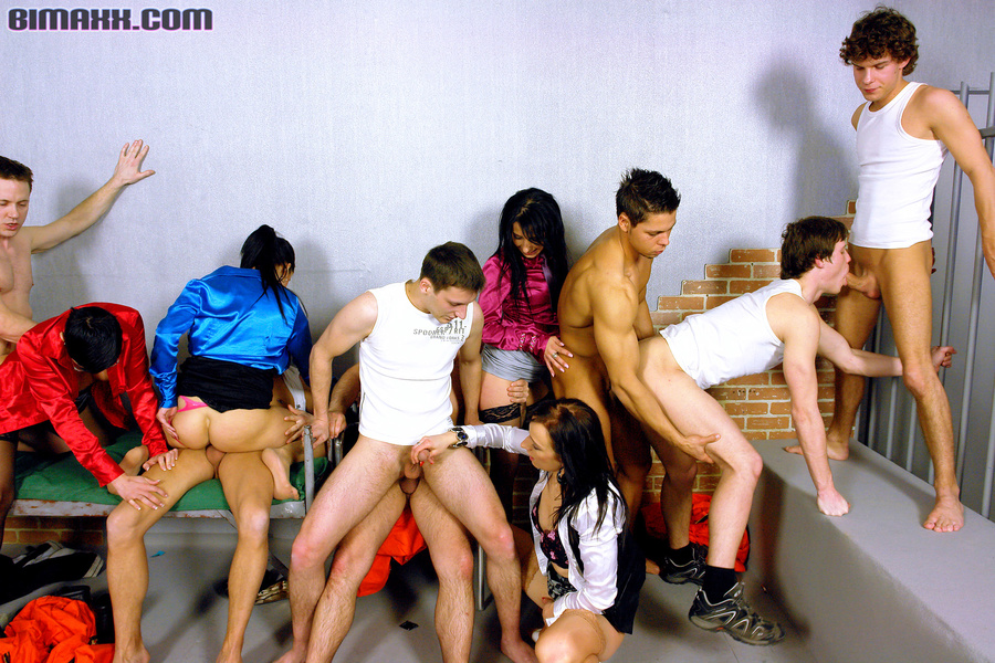 Imprisoned busty girs and handsome hunks wh - XXX Dessert - Picture 5