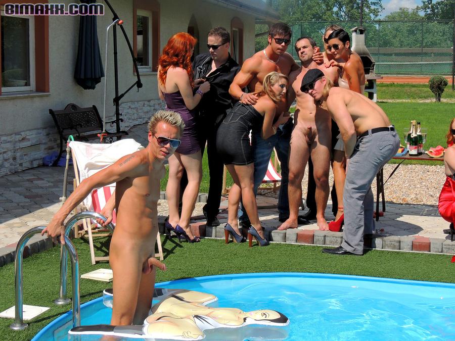 Nicole bahls naked photos