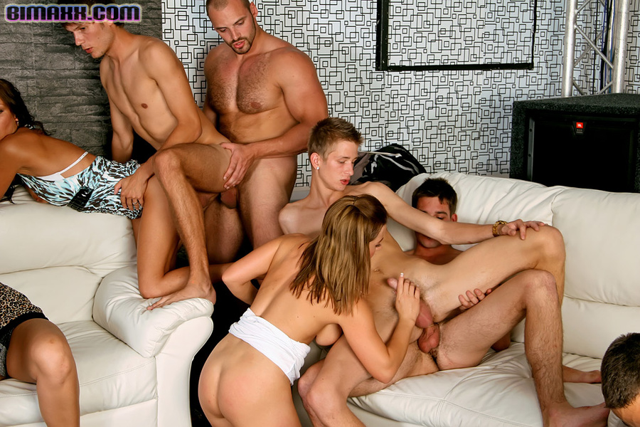 Bisexual orgy party foto 163