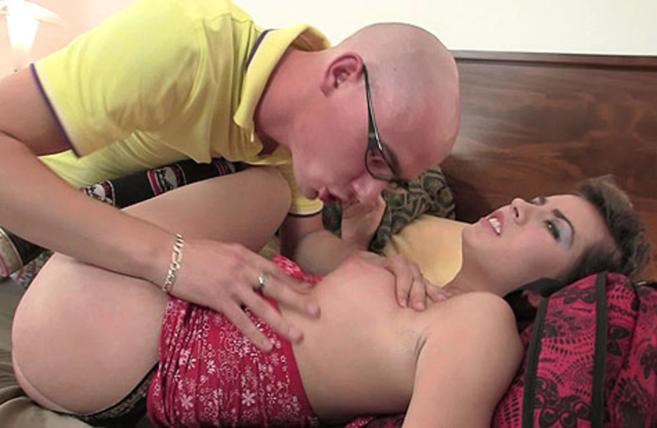 The Big Fat Cock Meat Takes Her Pussy And Her Mouth With -5480