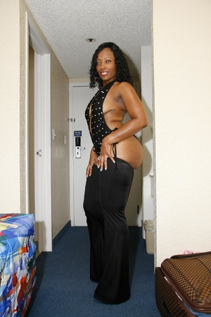 Black lingerie dressed gorgeous ebony mi - XXX Dessert - Picture 3