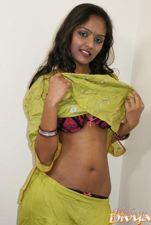 Beautiful face indian girlfriend slowly  - XXX Dessert - Picture 4
