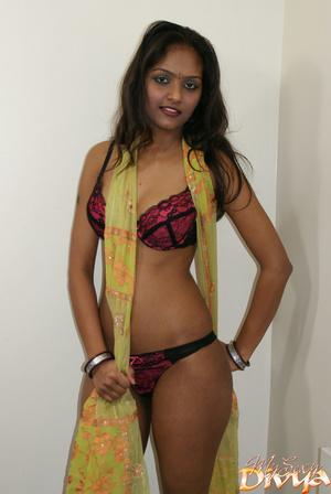 Beautiful face indian girlfriend slowly  - XXX Dessert - Picture 11